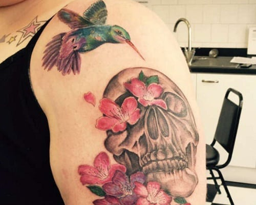Skull and the Hummingbird